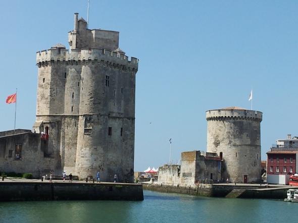 La Rochelle: de 2 torens waarmee de haven et een ketting kon worden afgesloten