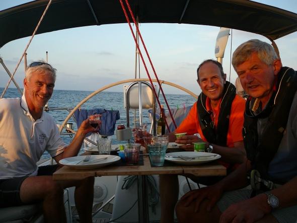 dineren in de kuip op zee