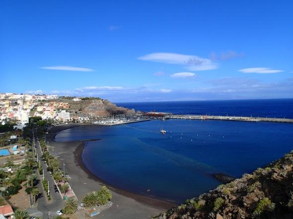 San Sebastian de la Gomera vanaf de rotsen (een finke wandeling!)