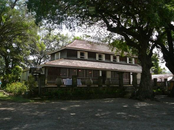 de plantagewoning van le Clement, waar Bush sr. en Mitterand nog een onderonsje hadden