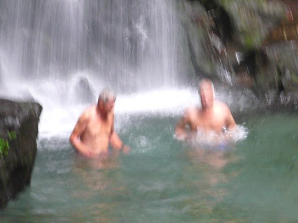 zwemmen onder de falls