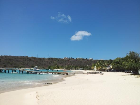 dinghy dock op Anguilla, een tikje scheef maar het werkt