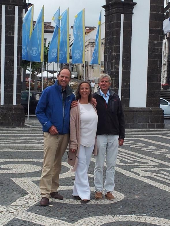 zus en broers in Ponta Delgada