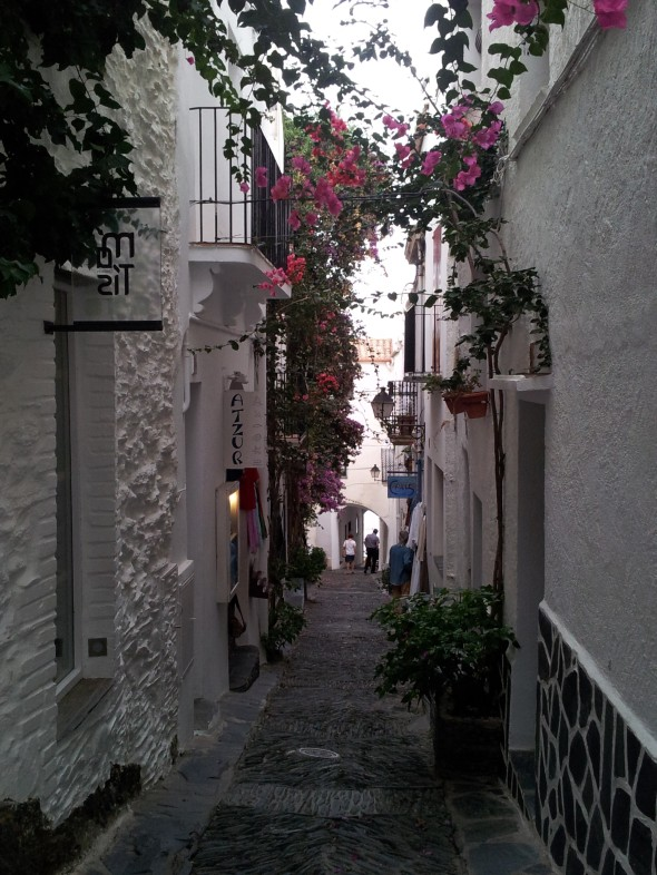 smalle straatjes met oude huizen