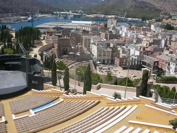 oud en nieuw theater vanaf het kasteel gezien
