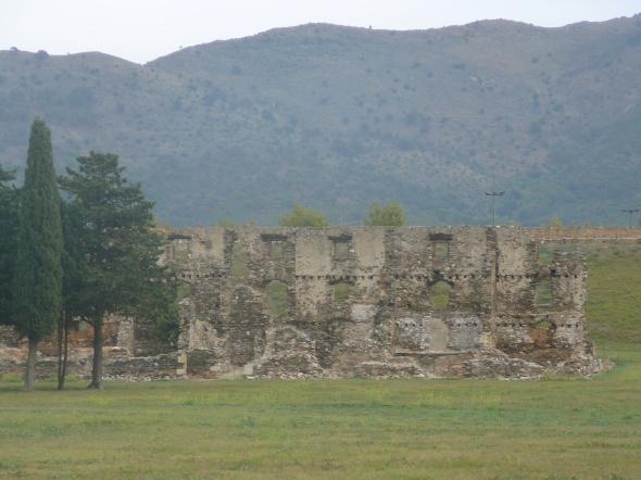 ruïnes in de oude vesting van Rosas