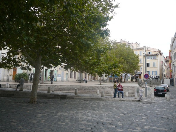 pleintje in de oude stad op de westoever