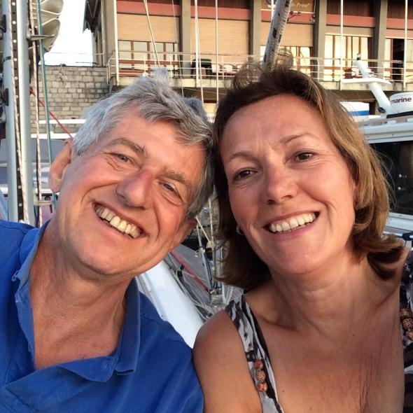 Op het voordek in de haven van Santa Marguerita