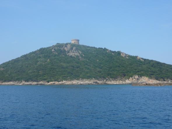 Genuese toren boven de baai van Campomoro