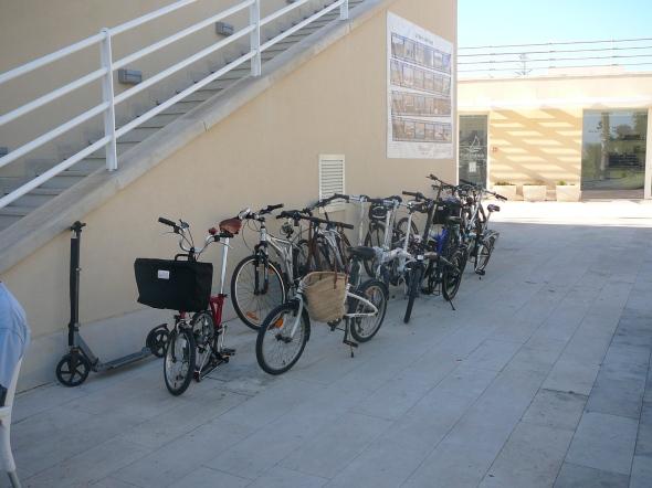 alle crews hebben wel een stel fietsjes, de haven is namelijk nogal groot