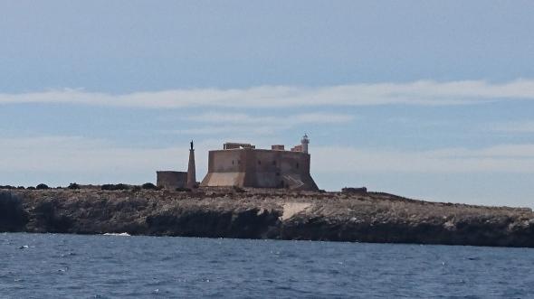 burcht bij de ingang van de baai van Syracuse