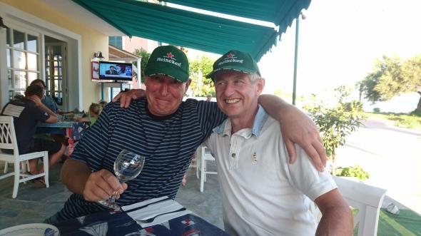 Roy en Frans houden de Nederlandse eer hoog (maar drinken een Mythos...)