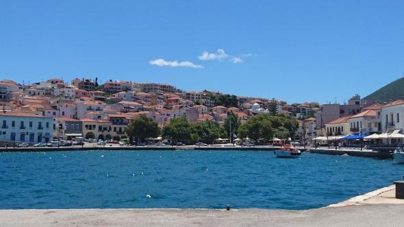 zicht op het stadje Pylos