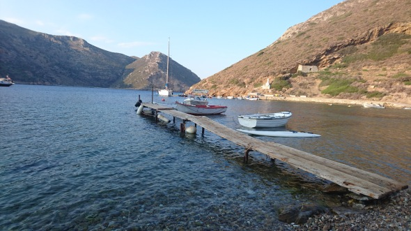 dinghy dock voor de taverna