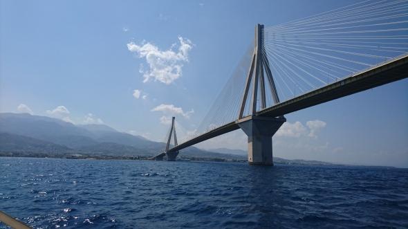 """de """"Rio"""" brug bij Patras"""