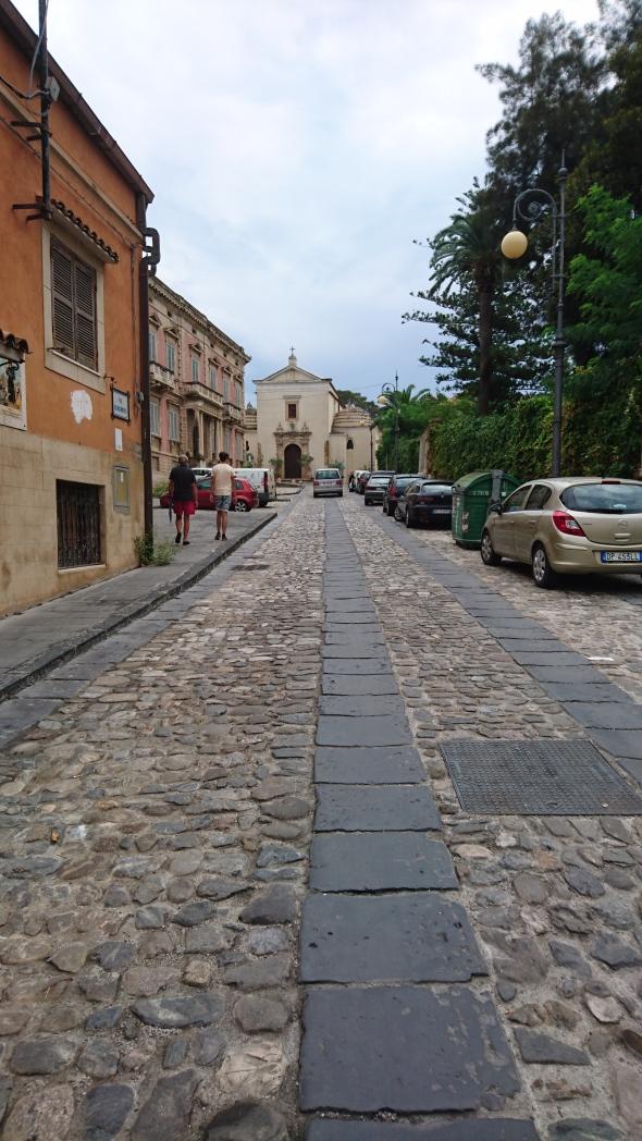 straatje in de oude stad van Crotone